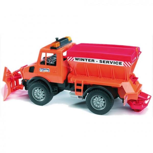 BRUDER 02572 - MB Unimog-Winterdienst mit Räumschild und Streuwerk