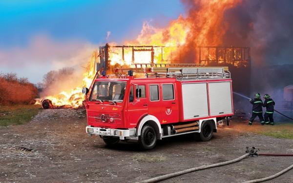 Revell 07655 - Mercedes-Benz 1017 LF 16 Feuerwehr - Limited Edition